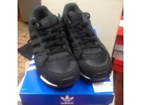 LOVELY ADIDAS ZX750 BLACK (UK SIZE 9.5) IN GOOD CONDITION