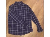 Men's checked shirt. Size M.