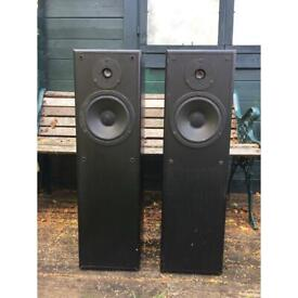 10 inch subwoofer and 1x2 inch tweeter with speaker box
