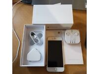 IPhone 6 Gold 16GB Unlocked to all network Great condition with no scratches