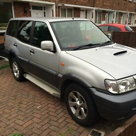 Nissan Terrano 7 seater 05 plate