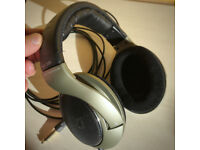 Sennheiser HD 595, classic Open-Back, Over-Ear headphones, in excellent condition, £15