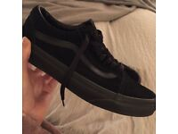 Women's Black Suede Old Skool Vans UK 6