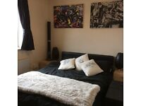 ..HAMMERSMITH..NICE DOUBLE/TWIN ROOM AVAILABLE NOW..£180 pw (bills inc)