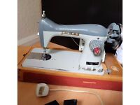 Vintage Jones Electric Heavy Metal Sewing machine in Excellent working condition