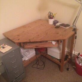 Wooden Corner Desk for pickup in Glasgow Southside!