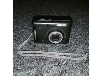 Hyundai A9325 9.0MP Digital Camera - Black, with black carrier bag