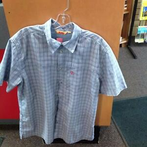 Fjall Raven Button Up shirt w/ breathable mesh and pockets (SKU:J9BRR8)