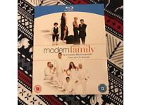Modern Family Complete Season 3 Blu Ray