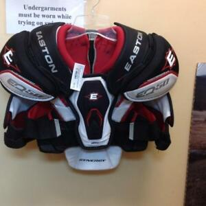 Easton Synergy EQ50 Shoulder Pads (VLF6Y4)