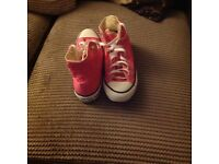 Pink converse size 6 brand new £20