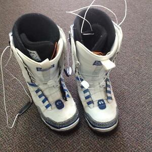 Thirty two snowboard boots-Men's 41- white/blue (sku: Z15079)