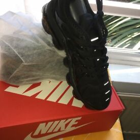 Vapormax plus black size 6UK 7UK 8.5UK