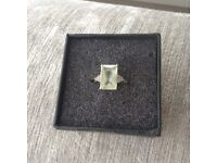 White gold ring with pale green Amethyst/diamonds