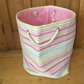 Child's toy storage bag great bag for keeping all those toys in one place
