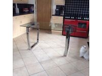 MODERN GLASS AND CHROME DINING TABLE SEATS 6