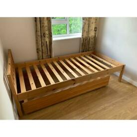 Single bed with long draw