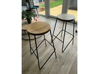 Kitchen, breakfast bar stools