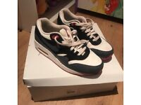 Nike air max 1 trainers Pink grey good condition uk 4