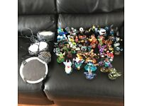 (42) Skylander bundle includes 1x gold & 1x limited edition