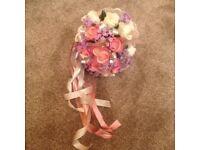 ARTIFICIAL ROSE FLOWER BOUQUET - EXCELLENT CONDITION
