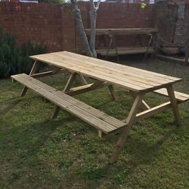 Garden table seats 8-10