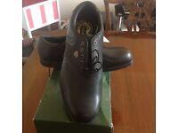 Brand New Hi-TEC size 12 Golf shoe's
