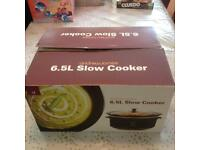 6.5L Slow Cooker in box and in-used.