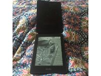NEW Kindle Voyage 3G E-reader, WI FI + Leather Origami Case