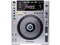 Pioneer CDJ850 USB turntable (single deck) not sold as pair. (comes with RCA cables)