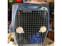Pet carrier/ container for cats or small dog