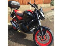 2017 Honda NC750S Black/Red, 720 miles, Very Good Condition, Full Service History, Top Box and Cover