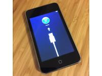 iPod Touch 32gb (2nd Gen) + Dock + Apple Remote + Charger + Cable