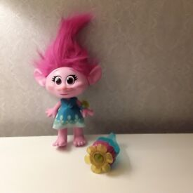 POPPY Singing Doll ***Excellent Condition***