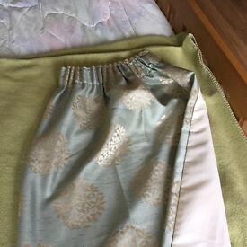 Blue/green curtain