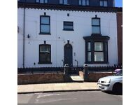 2 bedroom top floor apartment- Kesnigton Liverpool 6- Available mid november- DSS ACCEPTED