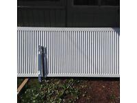 Radiator white large 1.6m