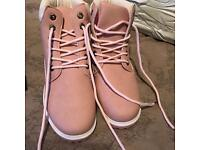 BRAND NEW Pink Timberland styled boots size 6