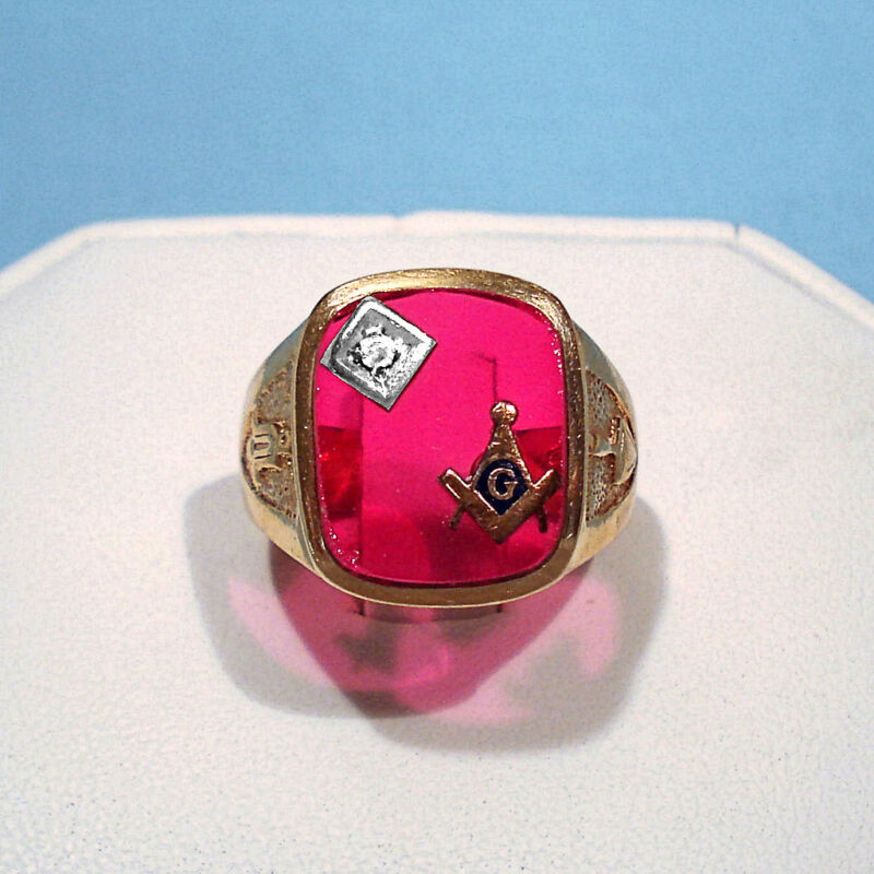 SOLID 14K YELLOW GOLD DIAMOND & SYNTHETIC RUBY MASONIC RING ~ SIZE 10