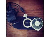 PSP 1003 + Grand Theft Auto + Charger + Memory Card
