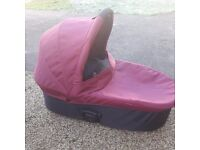 Oyster carry cot. Original version. Incl parasol and rain cover