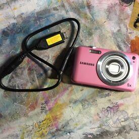 SAMSUNG ES67 Camera