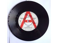 VINYL RECORDS WANTED , friendly buyer, any genre considered, blues, jazz, hip hop, ska, soul.