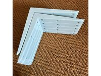 Strong shelf brackets x 10, white.