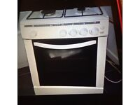 Gas cooker, white