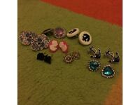 Several pairs of earrings (excellent condition)