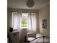 AMAZING GOOD SIZE DOUBLE ROOM AVAILABLE ,ALL BILLS INCLUSIVE