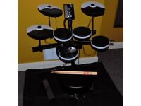 Roland TD-1K V-Drums Electronic Drum Kit, Throne, Drumsticks, Drum Mat and Headphones