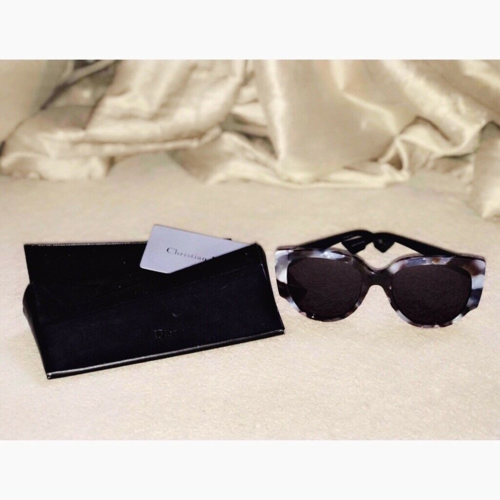 04c809ebeb37 CHANEL BLUE SUNGLASSES WITH CASS