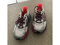 Women's Brooks Adrenaline GTS running shoes, perfect condition. Size 4